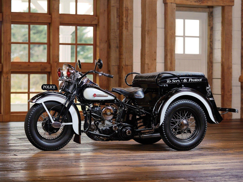 Harley Davidson Police Servi-Car: un raro esemplare del 1949 all'asta