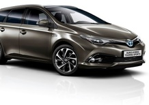 Toyota Auris, ecco il model year 2016