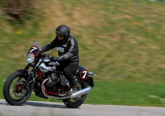 Moto Guzzi V7 2012