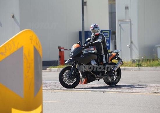 Moto Guzzi supermotard?