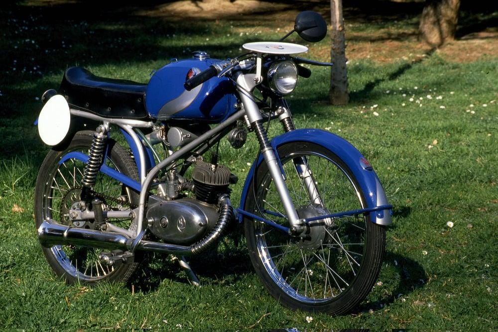 """Quando è stato presentato il Maserati 50 T2 SS, soprannominato """"rospino"""", era il ciclomotore più sportivo della intera produzione nazionale, anche se ancora munito di pedali!"""