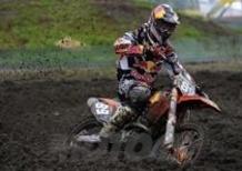 Motocross. Il fango non frena Desalle e Van Horebeek
