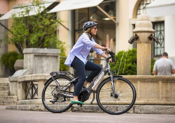 Gli effetti del boom di eBike e biciclette: magazzini vuoti e produzione a rilento