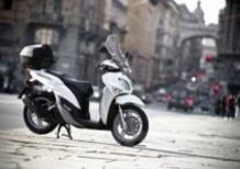 Yamaha Xenter 150 protagonista a Fregene