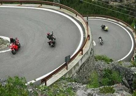 Trentino: in un fine settimana aumentate del 50% le multe ai motociclisti