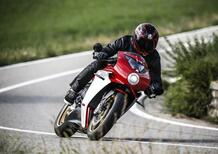 MV Agusta Superveloce 800 test. Paradosso temporale