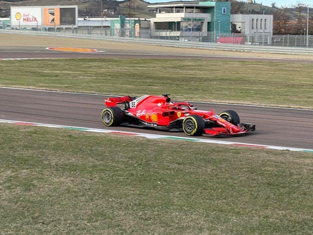 F1, primo giorno al volante della Ferrari per Carlos Sainz
