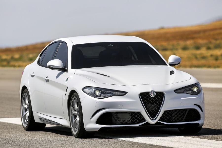 alfa romeo giulia 2.9 t v6 quadrifoglio nuove, listino prezzi auto