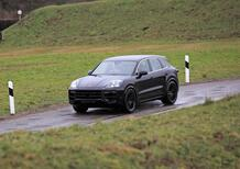Porsche Cayenne restyling, le foto spia