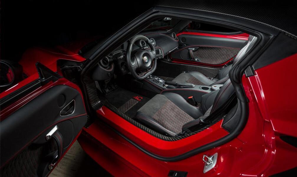 Alfa Romeo 4C Coupé (5)