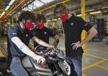 Nuovo Ducati Monster 2021: al via la produzione. Con tre padrini d'eccezione