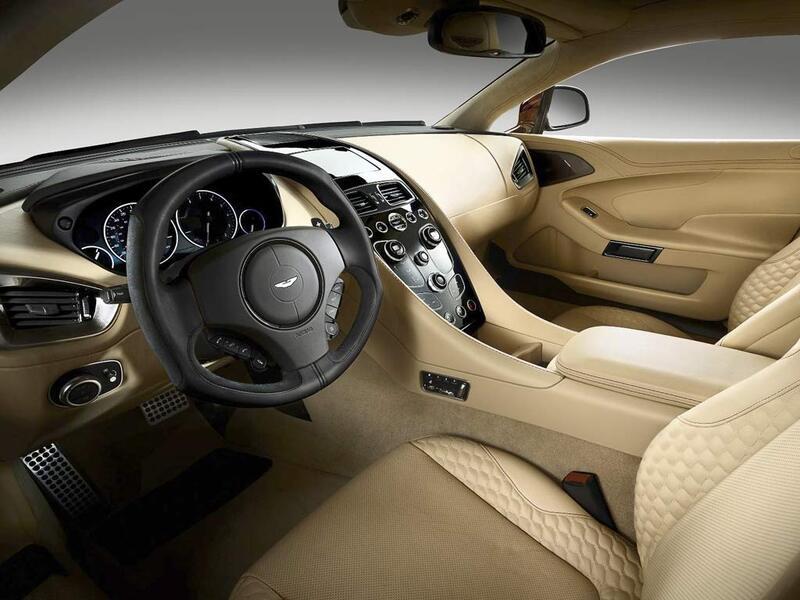 Aston Martin Vanquish (4)