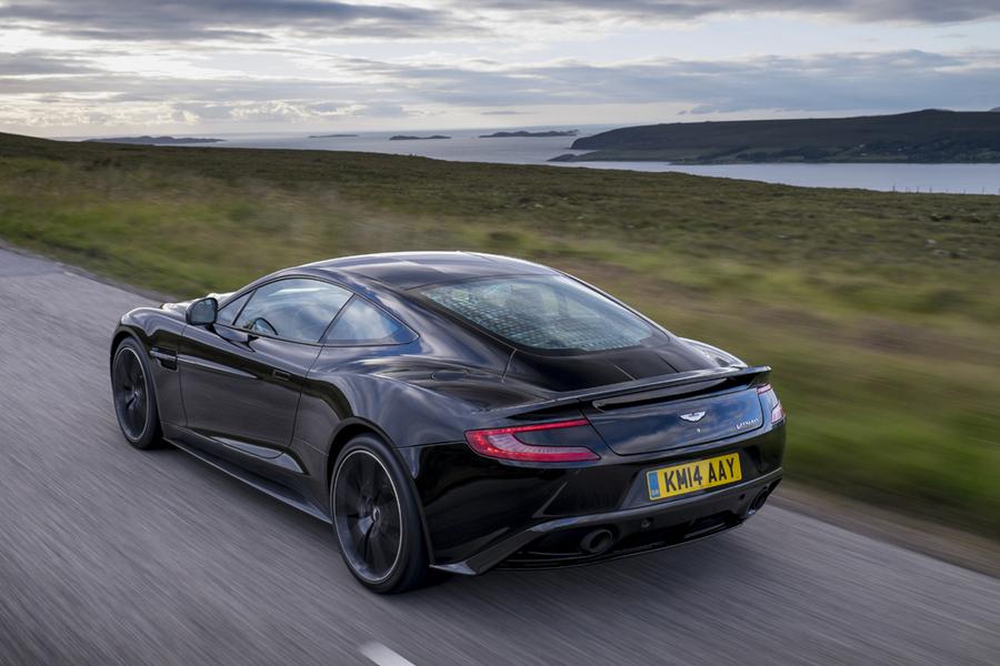 Aston Martin Vanquish (2)