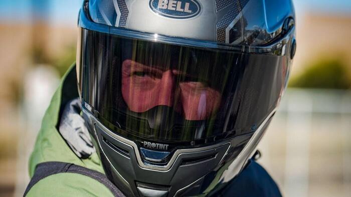 Bell presenta la visiera fotocromatica Pro Tint - Accessori - Moto.it