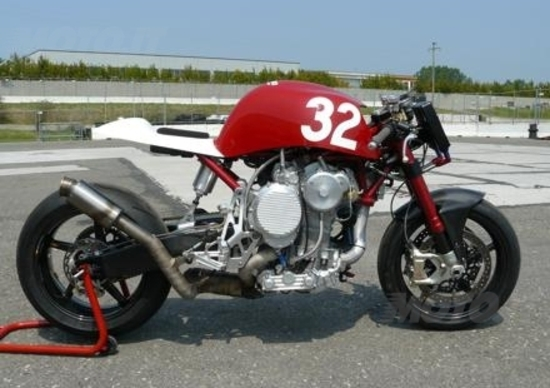 """Massimo Clarke: """"Nembo 32, la moto con il 3 cilindri sottosopra"""""""
