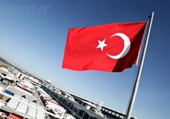 Guintoli conquista le libere del mattino a Istanbul