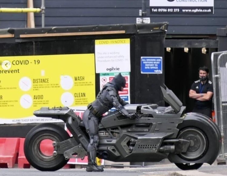The Flash: ecco la moto che Batman guiderà nel prossimo film DC