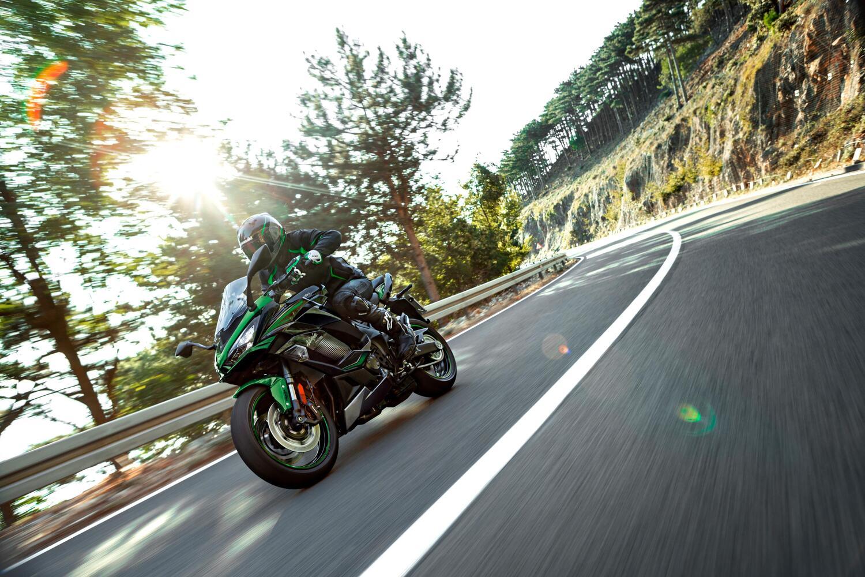 Kawasaki Ninja 1000SX 2022. Nuovi colori per la sport touring