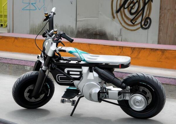 BMW Concept EC 02. Lelettrico urbano per nuovi motociclisti