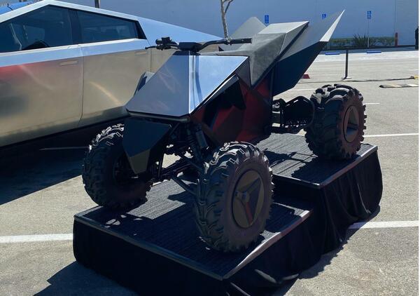 Cyberquad. Tesla registra il nome, arriverà anche il quad?