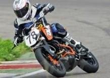 KTM 200 Duke Trophy, ve lo raccontiamo dalla pista