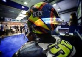 Il casco con le luci di Valentino Rossi
