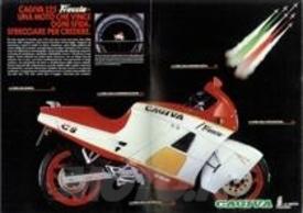 La Cagiva Freccia C9 in una pubblicità dell'epoca