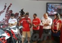WDW 2014: Bayliss e Checa tengono a battesimo la Ducati Hypermotard SP 2015!