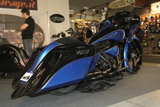 Vallese Garage H-D Road King Adrenaline