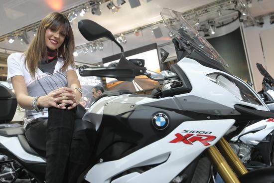 La S1000 XR è una delle novità 2015 più importanti per BMW