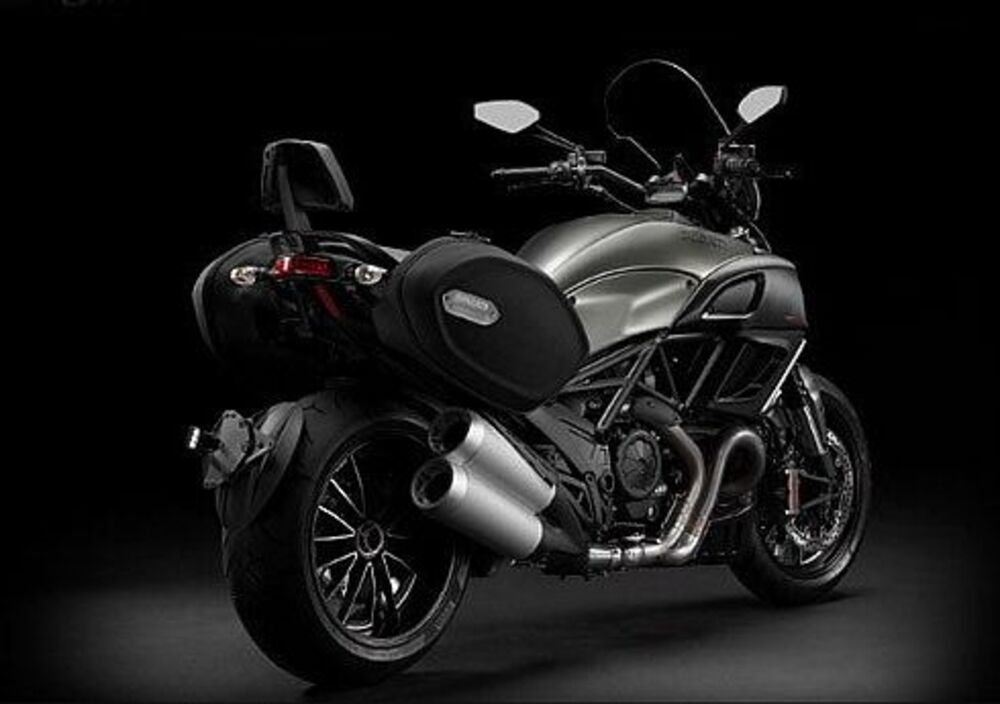 Ducati Diavel Strada (2010 - 14) (3)