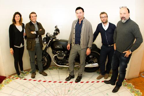 Porta moto guzzi v7 allo ied per le tesi di laurea for Laurea design milano