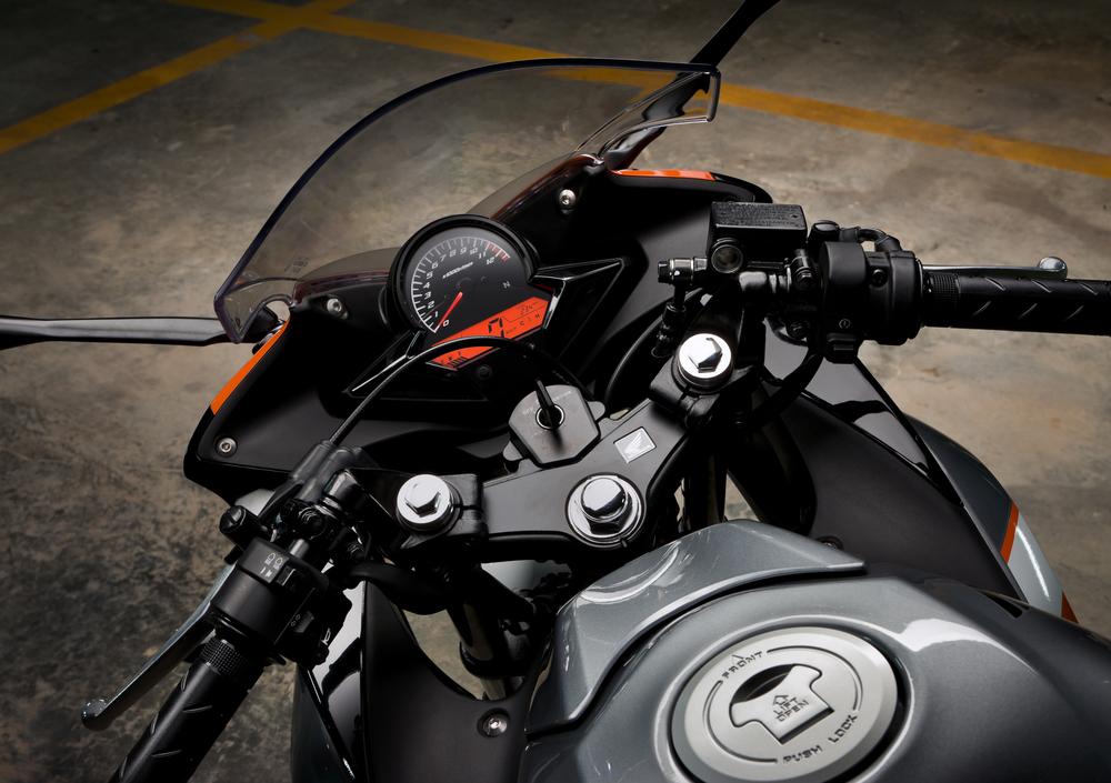Honda CBR 125 R (2007 - 17) (4)
