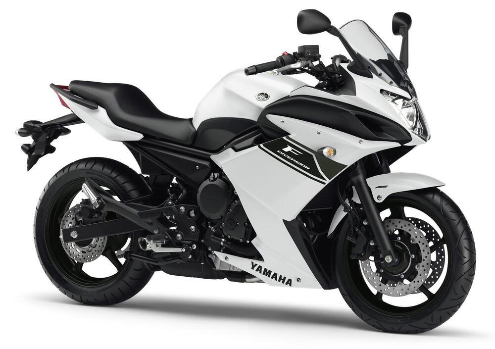 Ficha técnica de la Yamaha XJ6 F Diversion ABS 2010