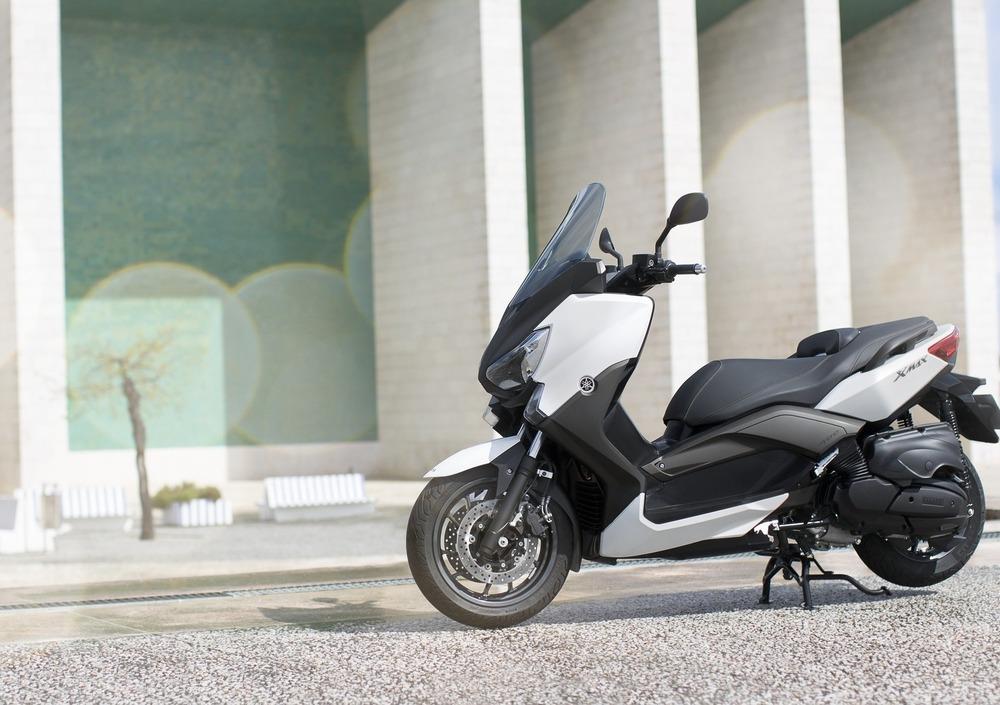 Yamaha X-Max 400 (2013 - 16) (4)
