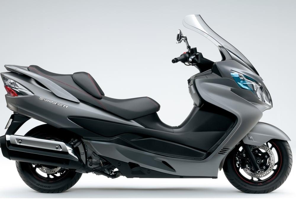 Suzuki Burgman 400 Lux (2012 - 16) (3)