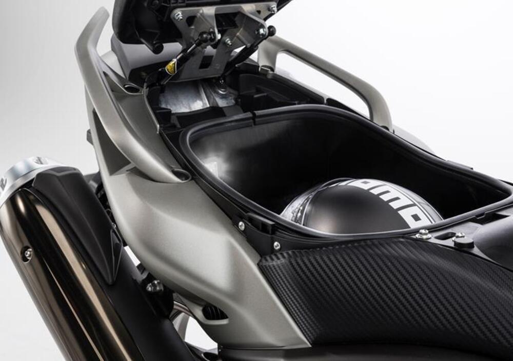 Yamaha T-Max 530 (2015 - 16) (3)