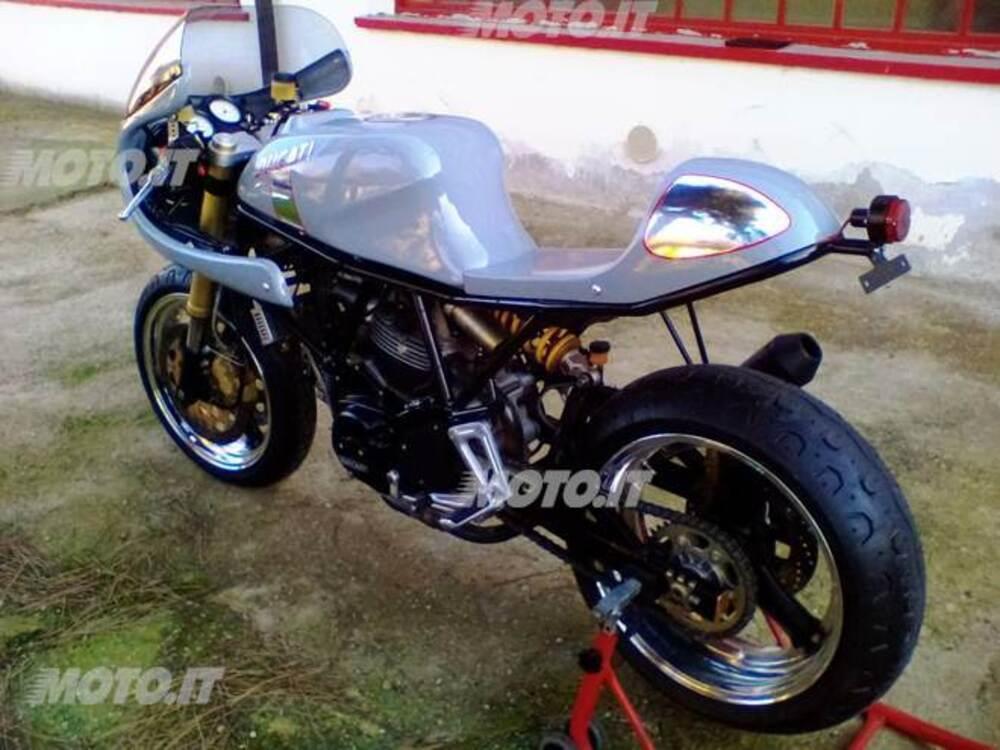 Le Strane di Moto.it: Yamaha YZF R1 2003 - News - Moto.it