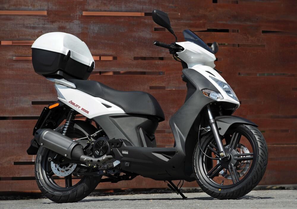Kymco Agility 200i R16 (2008 - 16) (4)