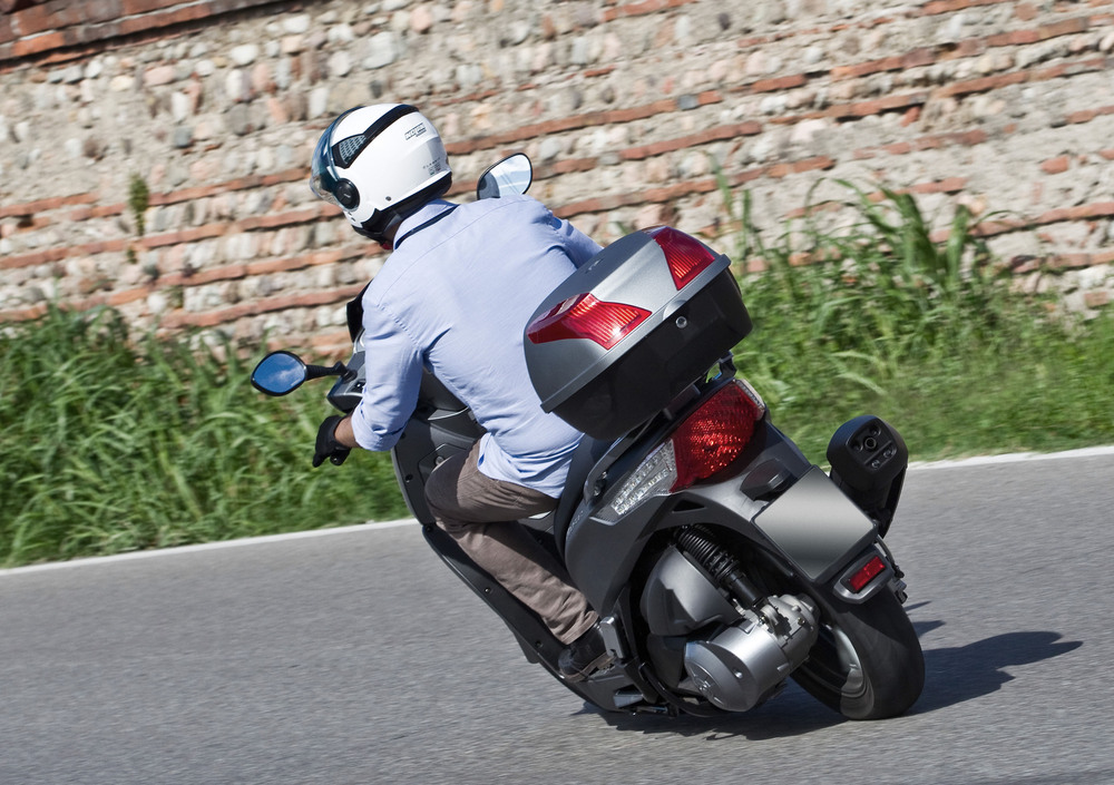 Kymco People GT 300i (2010 - 17) (4)