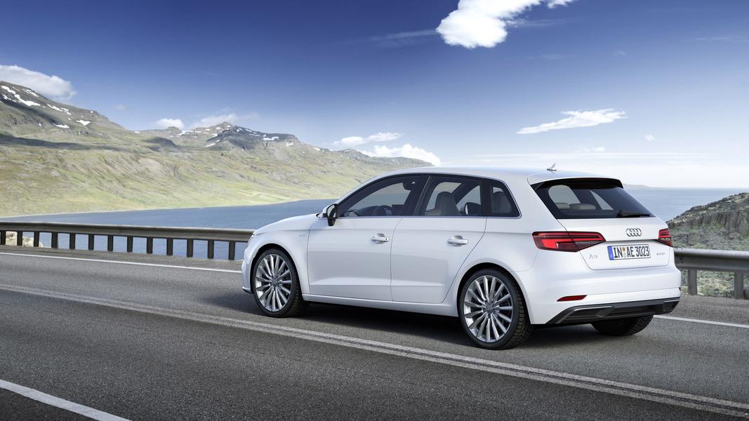 Audi A3 Sportback (2012->>) (2)