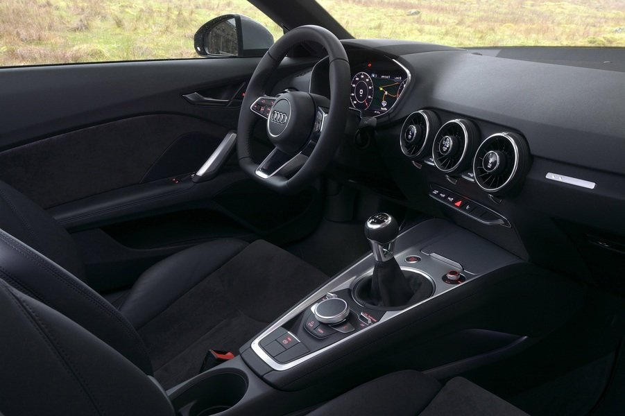 Audi TT Coupé 2.0 TFSI S tronic S line (4)