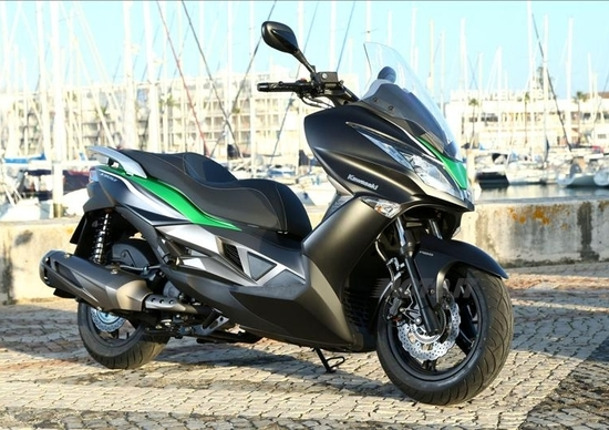 Kawasaki deposita i marchi J500 e J125