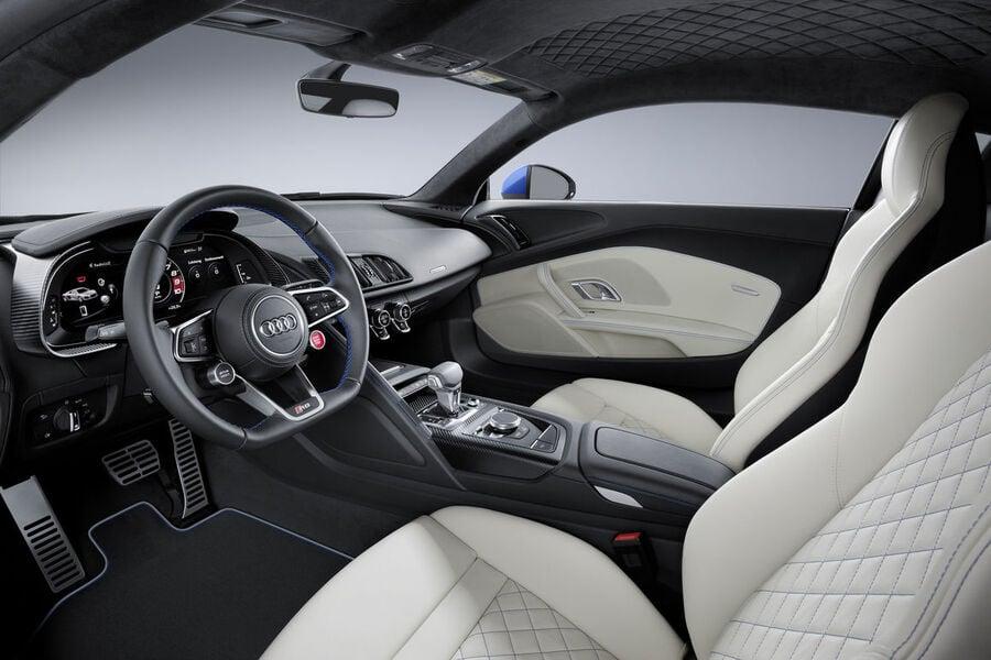 Audi R8 Coupé (5)