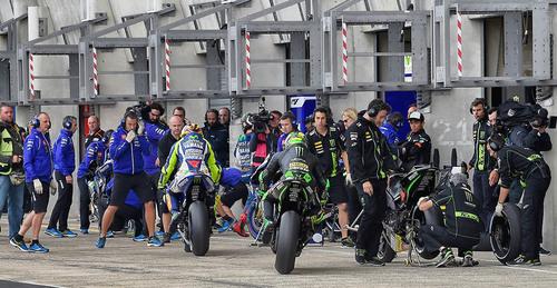 MotoGP 2015, Le Mans. Le foto più spettacolari del GP di Francia (6)