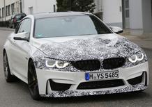 BMW M4 facelift: le foto spia della coupé dell'Elica