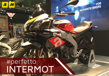 Aprilia Tuono 125 2017 a Intermot 2016: il video