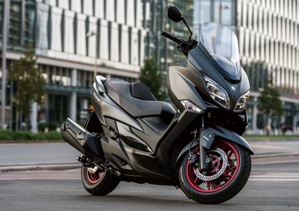 Suzuki Burgman 400 (2017 - 19) (4)
