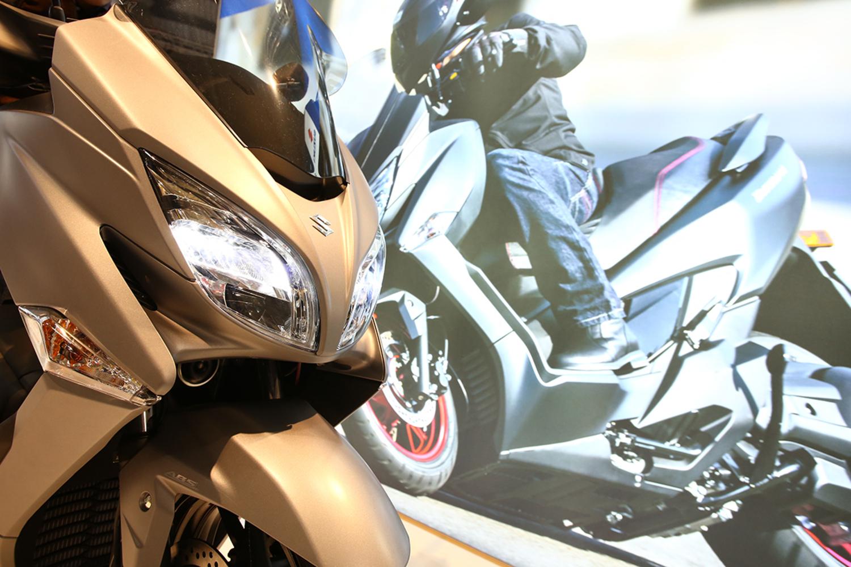 Suzuki Burgman 400 2017 ad Eicma 2016: foto e dati