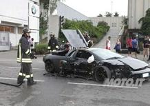 Lambo fuori controllo: dramma sfiorato in concessionaria BMW Motorrad